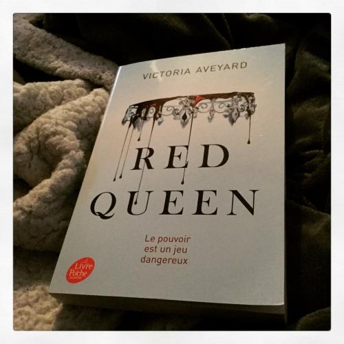 red, queen, tome 1, victoria, aveyard, le livre de poche jeunesse